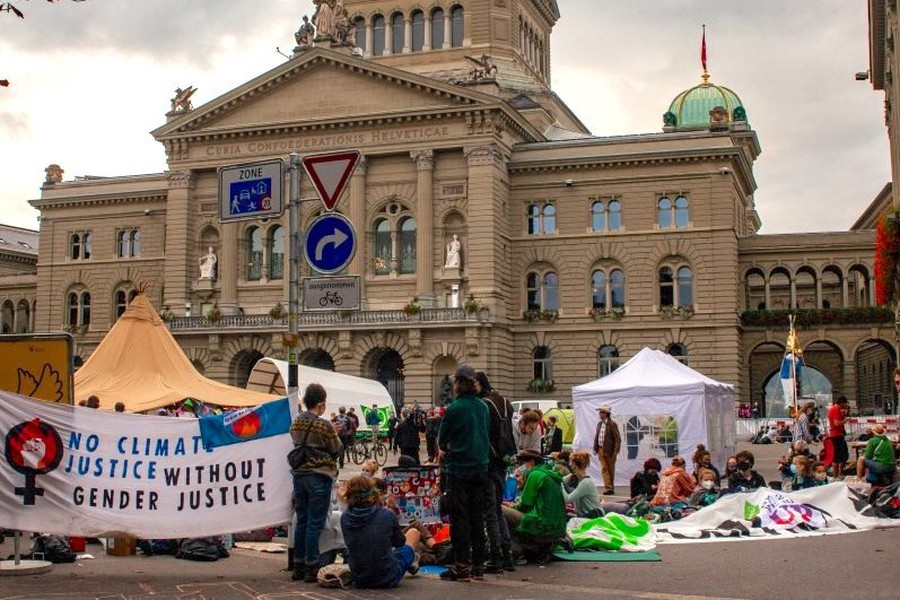 Rise Up For Change: Bundesplatz besetzt!
